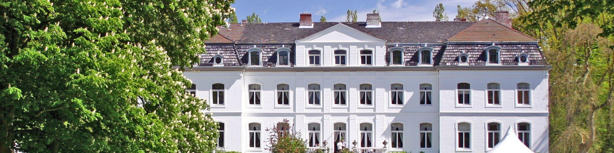 Schloss Weißenhaus